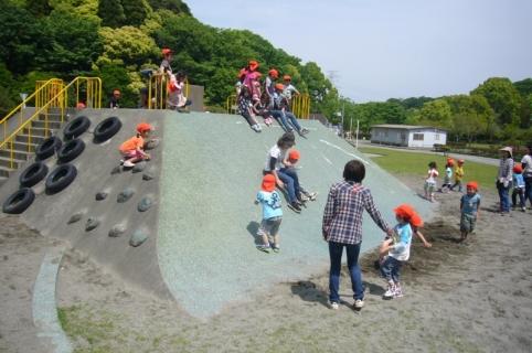 2014-05-14 26年度5月14日年中遠足上座総合公園 073 (800x531)