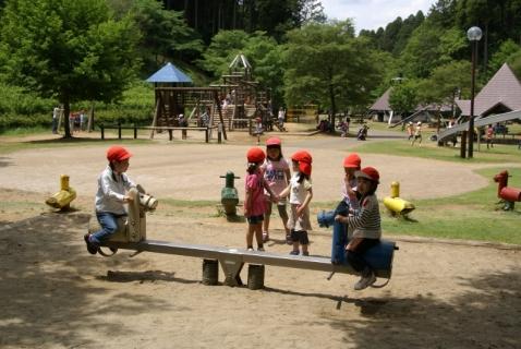 2014-05-19 26年度35ミリ年長遠足山武の森公園5月19日 088 (800x536)