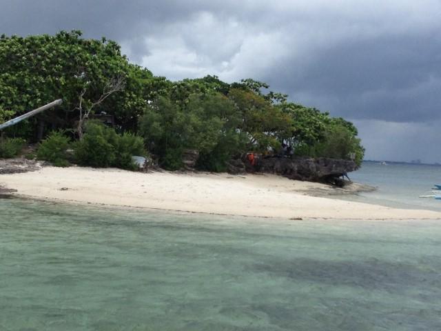 マクタンの小島