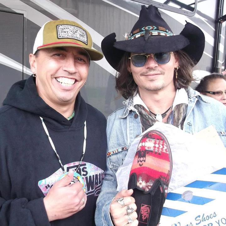 Johnny-at-Indian-parade-johnny-depp-32456321-720-720.jpg