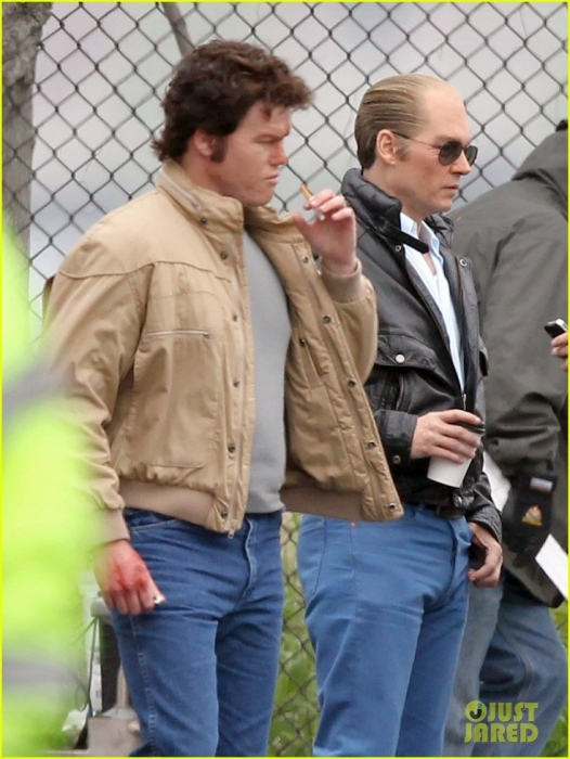 johnny-depp-works-alongside-very-bloodied-jesse-plemons-09.jpg