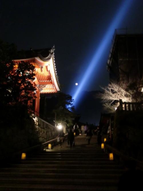 清水寺の青い光