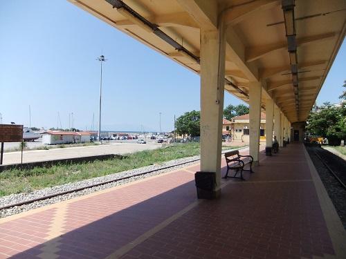 アレクサンドルゥポリ駅 (3)