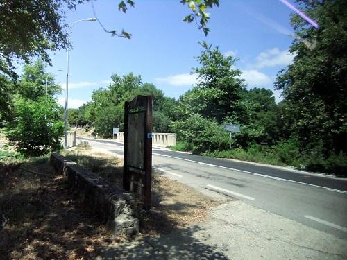 サモトラキ_フォニアスのバス停付近