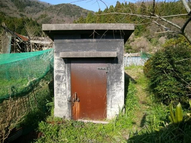 白杉補助建設物 (2)
