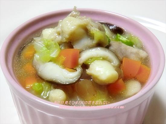 鶏ひざ軟骨と野菜のとろりスープ♪