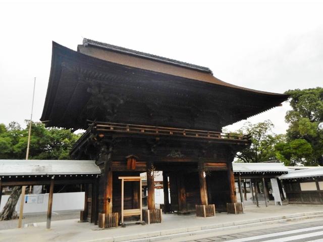 国府宮神社 楼門