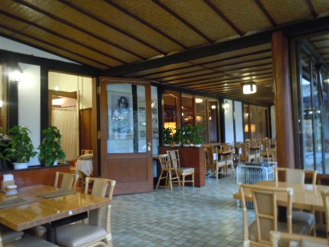 軽井沢万平ホテル カフェテラス 店内