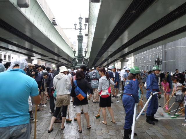 日本橋 橋洗い