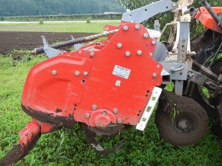 トラクターの耕起作業 (1)