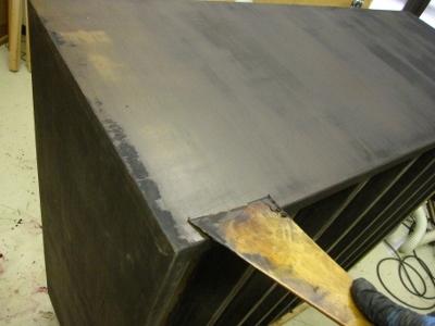 漆塗り箪笥、本体胴板下地付け
