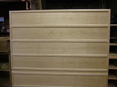 桐たんす更生、前側桐柾目板、練り付け替え