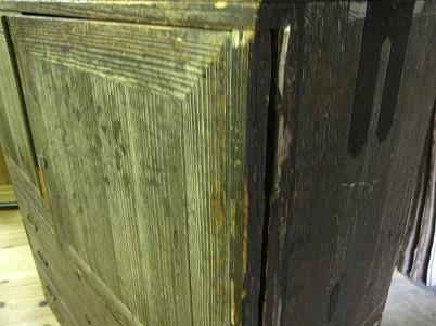 桐たんすリフォーム前、扉の傷み