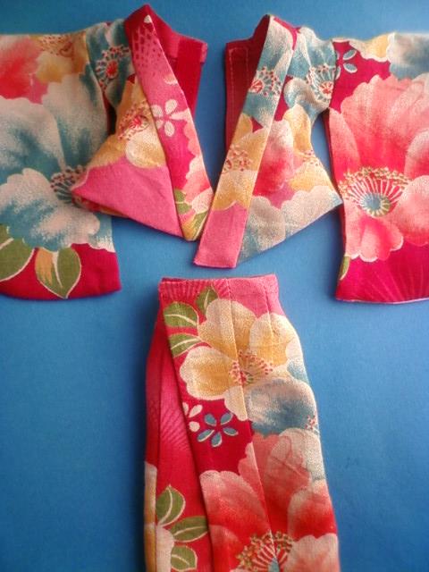 antique_kimono_c.jpg