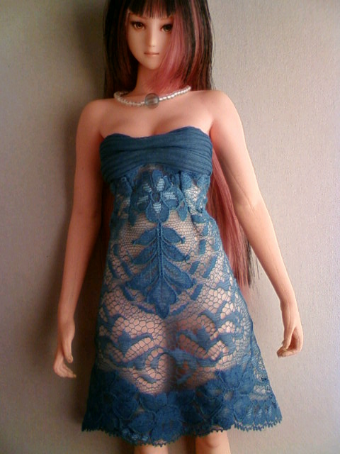 lace_medium_dress_c.jpg
