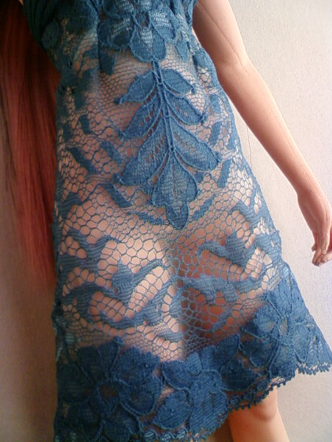 lace_medium_dress_d.jpg