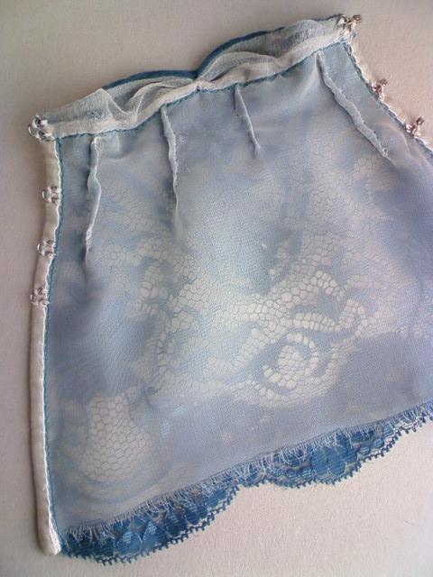 lace_medium_dress_f.jpg