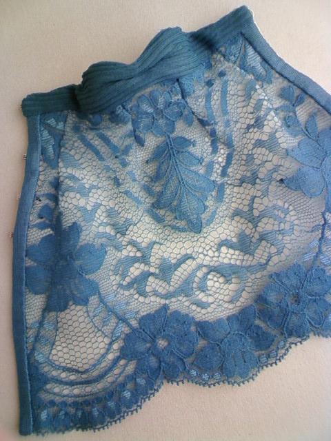 lace_medium_dress_g.jpg