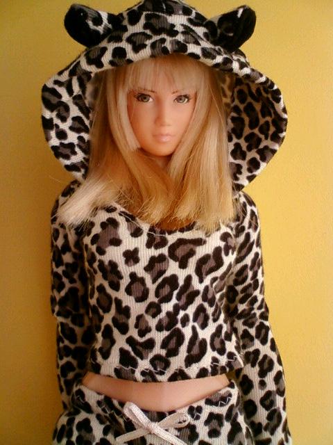 leopard_parka_b.jpg