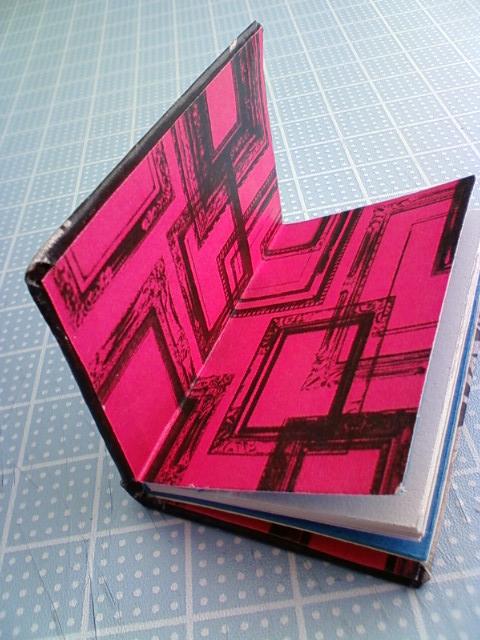 mini_book_jojo_g.jpg