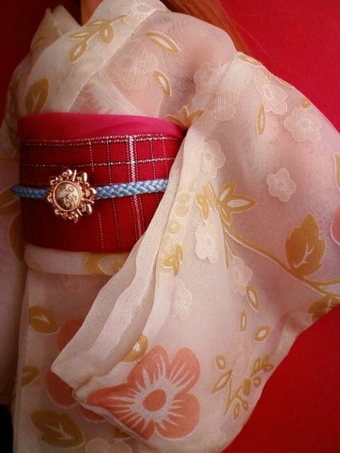white_kimono_b.jpg