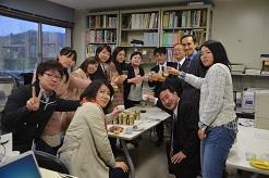 研究室で乾杯♪