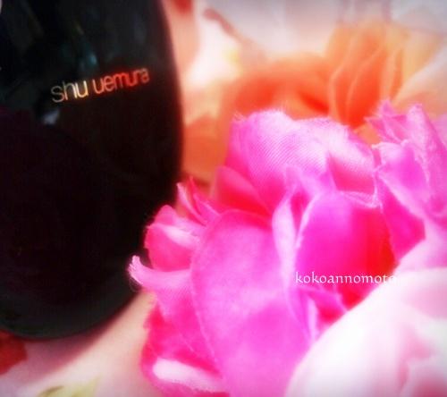 shu uemura「ザ・ライトバルブ UV コンパクト ファンデーション」
