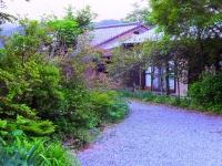 御宿しちこの庭奥の1棟を貸切 広々贅沢なツアー