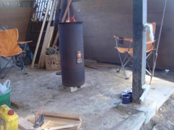 牛小屋の薪ストーブ