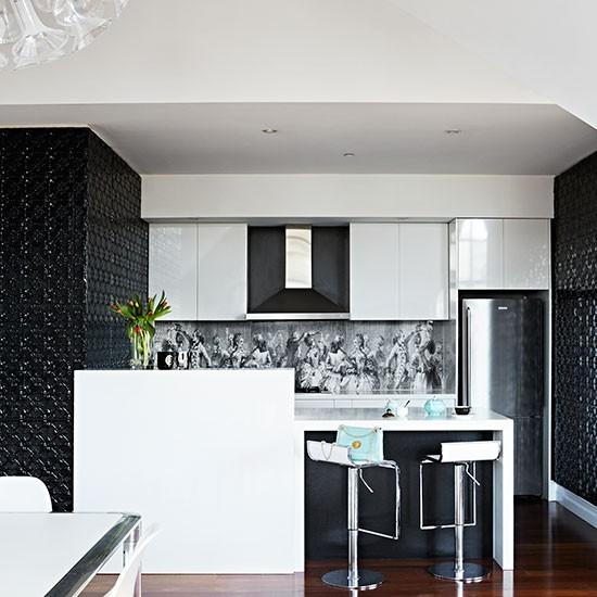Black-and-White-Kitchen-Livingetc-Housetohome.jpg