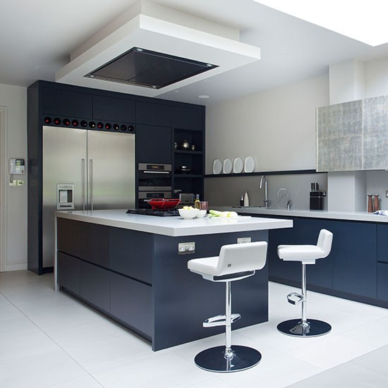Black-and-White-Modern-Kitchen-Beautiful-Kitchens-Housetohome.jpg