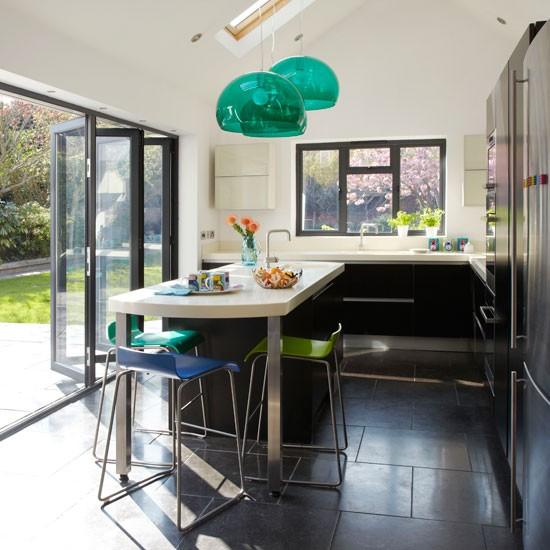 Black-gloss-kitchen-extension---Modern---Ideal-Home.jpg