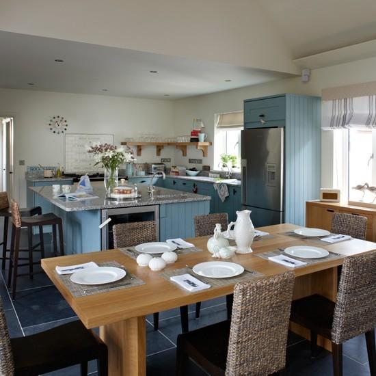 Blue-and-White-Coastal-Kitchen-Beautiful-Kitchens-Housetohome.jpg