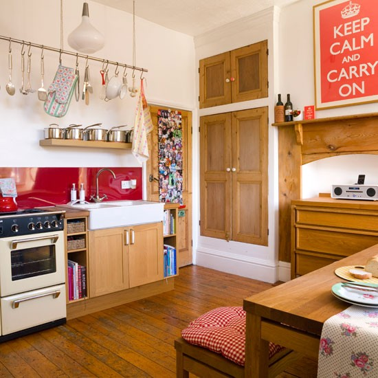 Bright-Kitchen-Tradtional-Style-at-Home.jpg