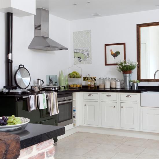 Country-kitchen-25-Beautiful-Homes-House-tour_2014070515573607f.jpg