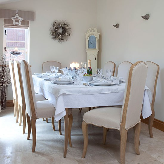 Cream-and-Marble-Floor-Christmas-Dining-Room-25-Beautiful-Homes-Housetohome.jpg