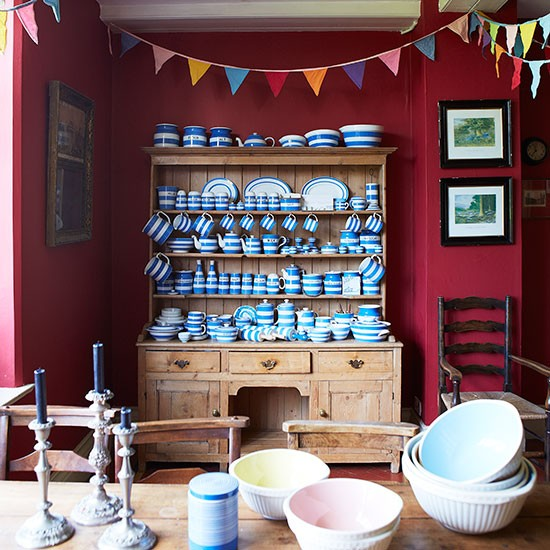 Deep-Read-and-Oak-Kitchen-Diner-Country-Homes-and-Interiors-Housetohome.jpg