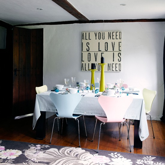 Dining-room-country-Country-Homes--Interiors.jpg