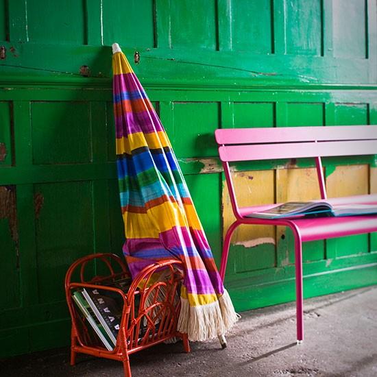 Green-Panelled-Hallway-Livingetc-Housetohome_20140430061640433.jpg
