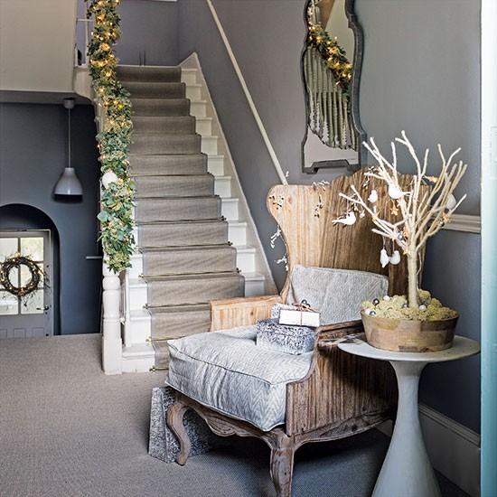 Grey-and-White-Christmas-Hallway-Homes-and-Gardens-Housetohome.jpg