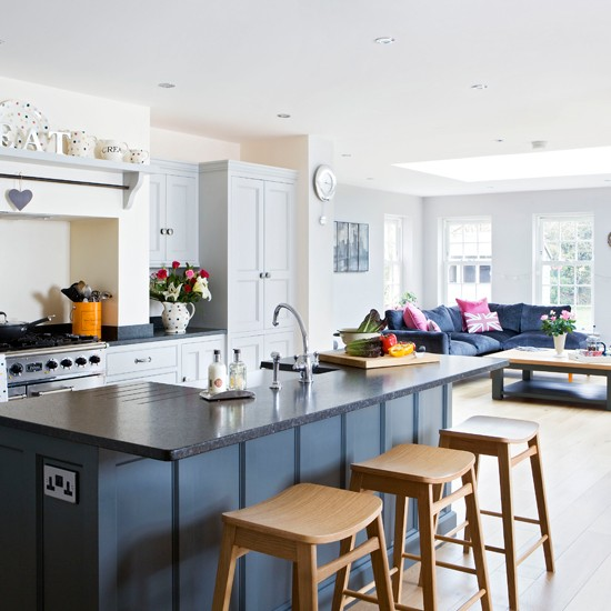 Grey-and-Wood-KitchenLiving-Beautiful-Kitchens-Housetohome.jpg