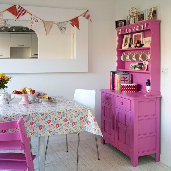 Hot-Pink-KitchenDiner-Style-at-Home-Housetohome.jpg