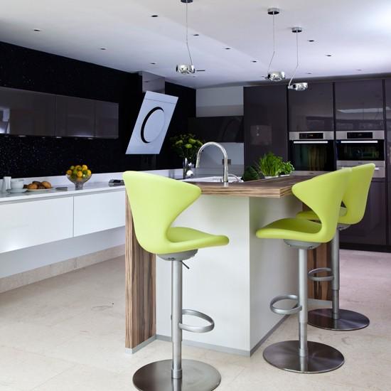 Lime-Green-and-Hi-Gloss-Quartz-Kitchen-Beautiful-Kitchens-Housetohome.jpg