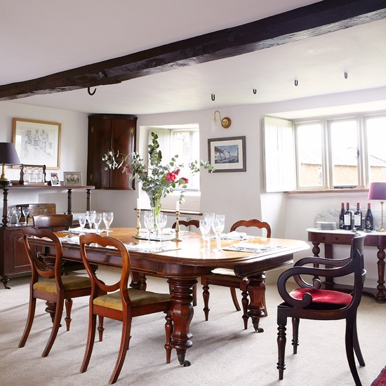 Mahogany-Dining-Room-Country-Homes-and-Interiors-Housetohome.jpg