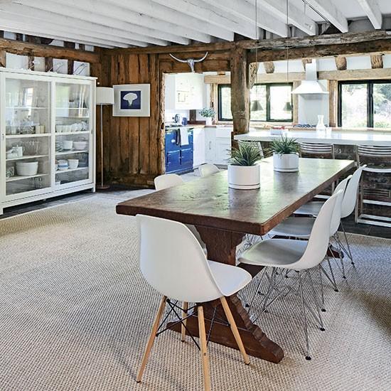 Oak-Beamed-Kitchen-Diner-Beautiful-Kitchens-Housetohome.jpg