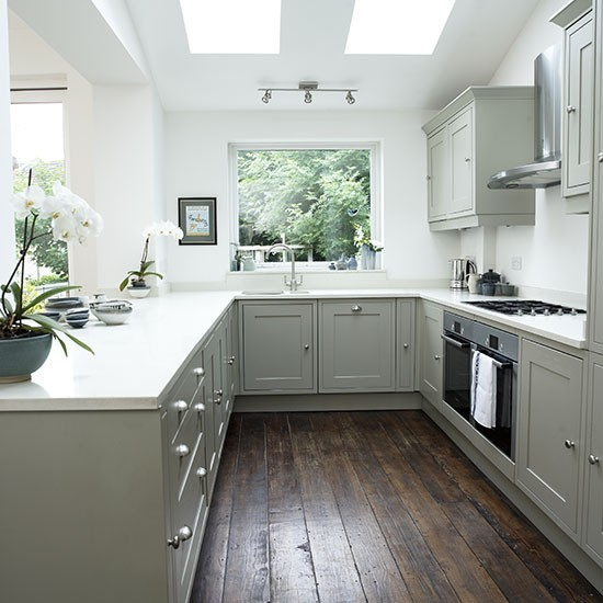 Pale-grey-Shaker-style-kitchen.jpg