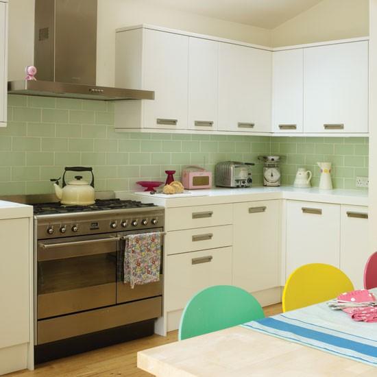 Retro-inspired-kitchen.jpg