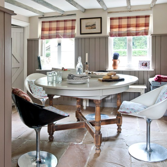 Stone-Panelled-Dining-Room-Country-Homes-and-Interiors-Housetohome.jpg