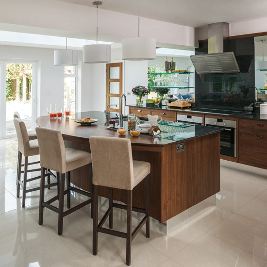 Walnut-KitchenDiner-Beautiful-Kitchens-Housetohome_2014072719292442e.jpg