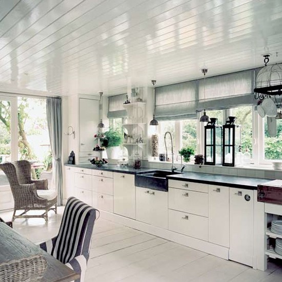 White-kitchen-homes-and-gardens.jpg